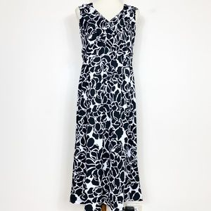 Chadwicks NWOT Black + White Floral Print Dress PM